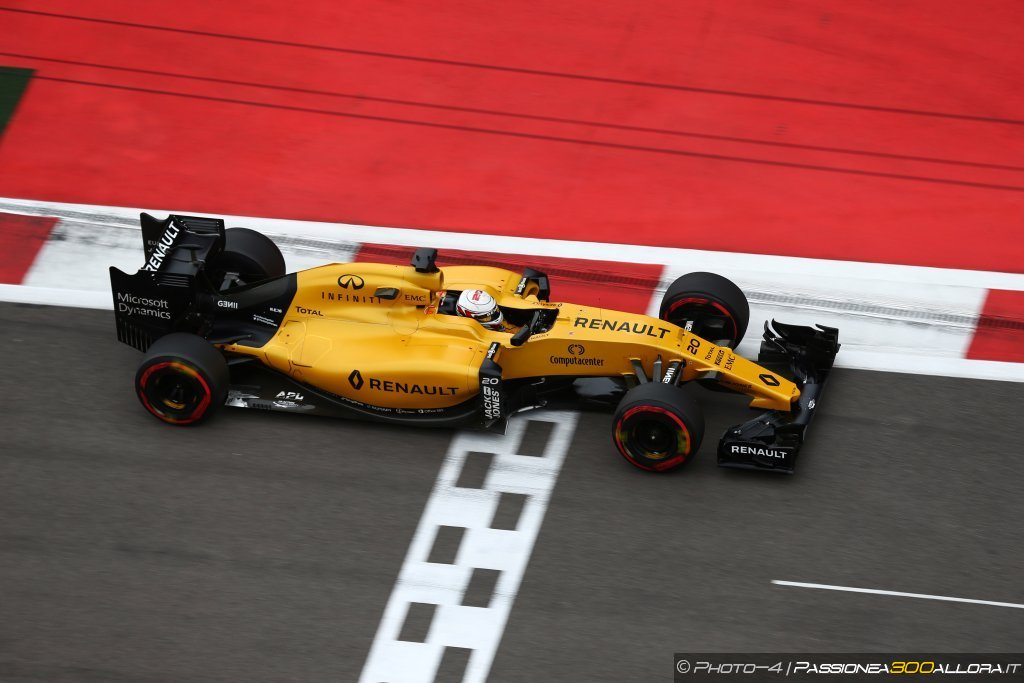 F1 | GP Russia, gara: la parola alla Renault
