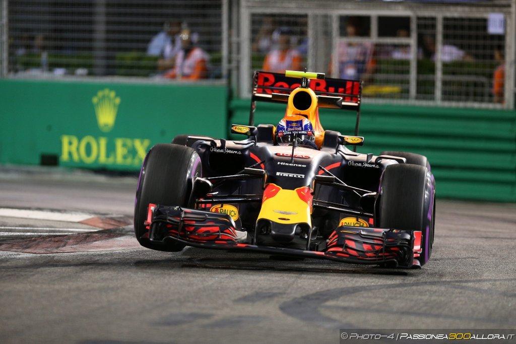 F1 | GP Singapore, gara: la parola alla Red Bull