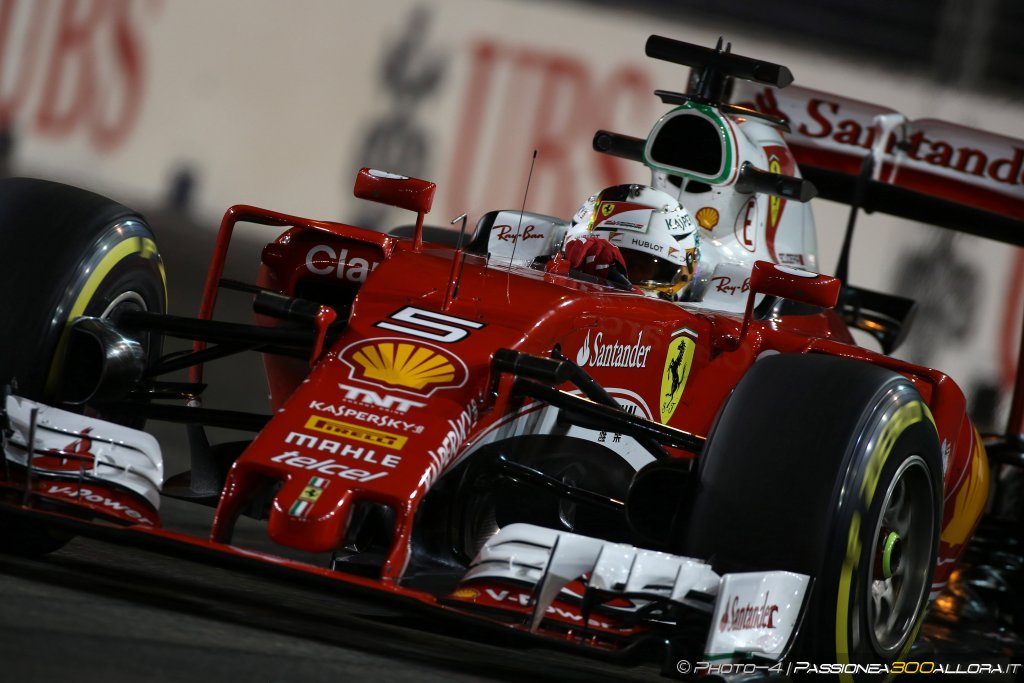 F1 | GP Singapore, qualifiche: la parola alla Mercedes e Ferrari