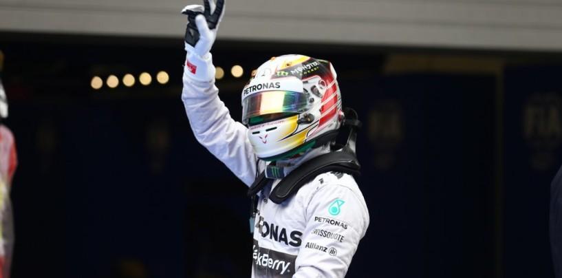 Lewis Hamilton trionfa a Silverstone e riapre il mondiale. Secondo Bottas, terzo Ricciardo