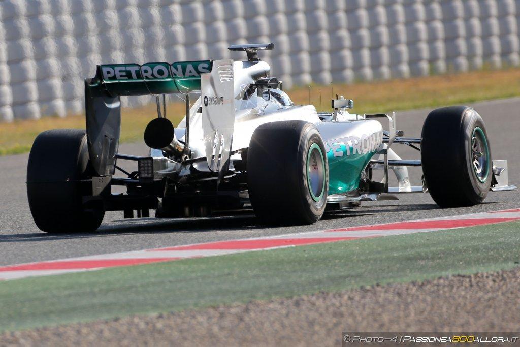 Mercedes: tromba che (non) ti passa