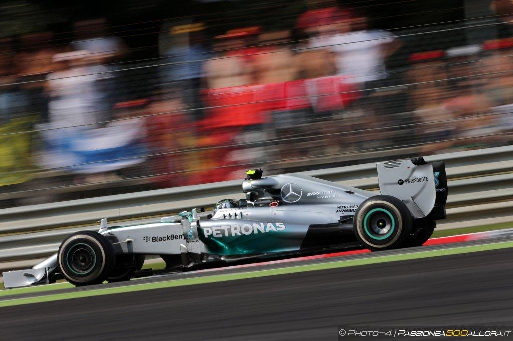 Nico Rosberg vince il GP d'Austria 2015 davanti a Hamilton e Massa