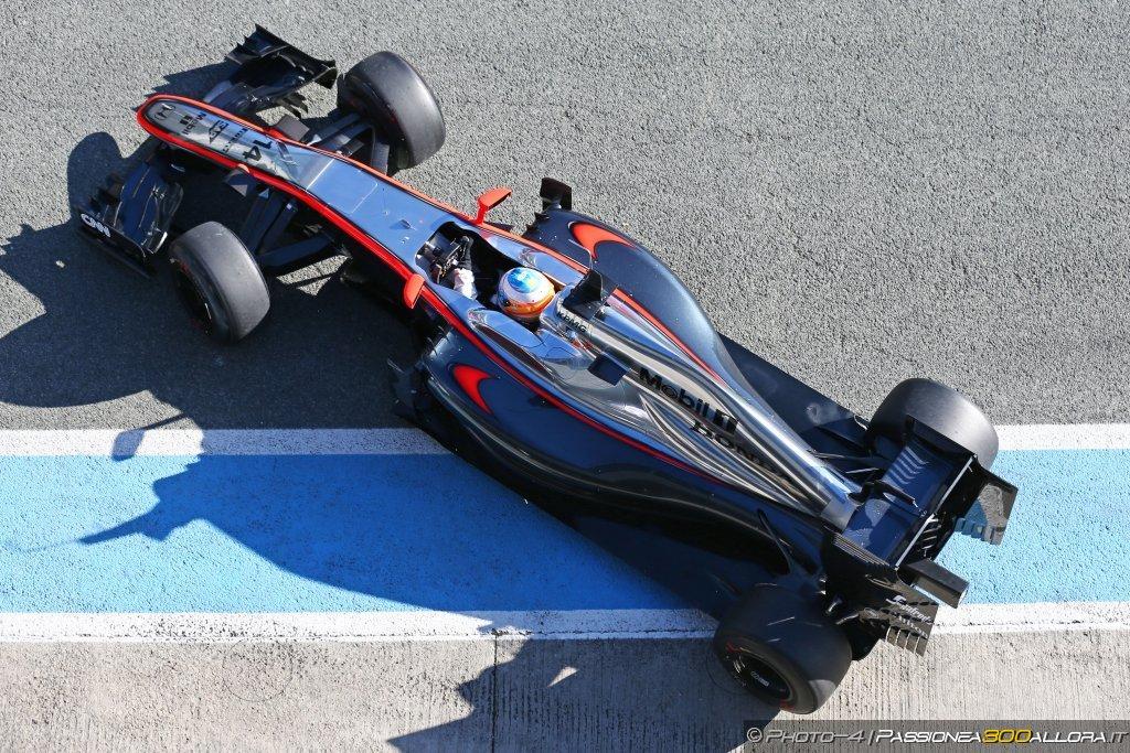 Alonso portato in ospedale in elicottero, incidente ancora poco chiaro