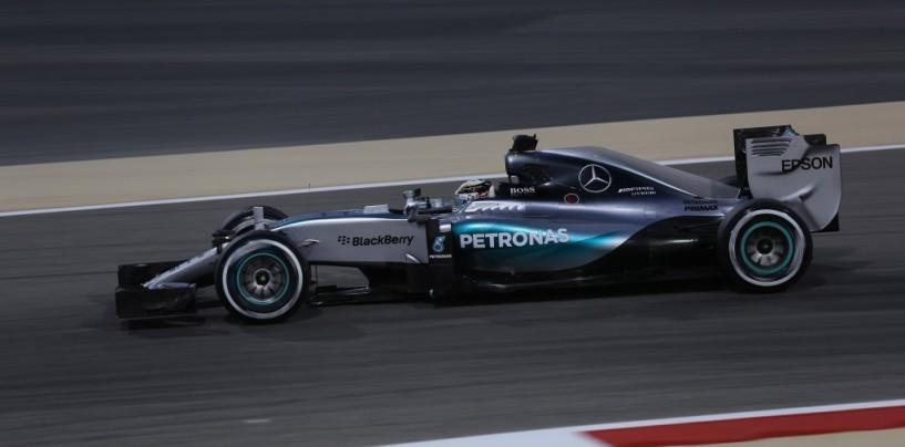 Qualifiche GP Bahrain: Hamilton in pole, Vettel al suo fianco