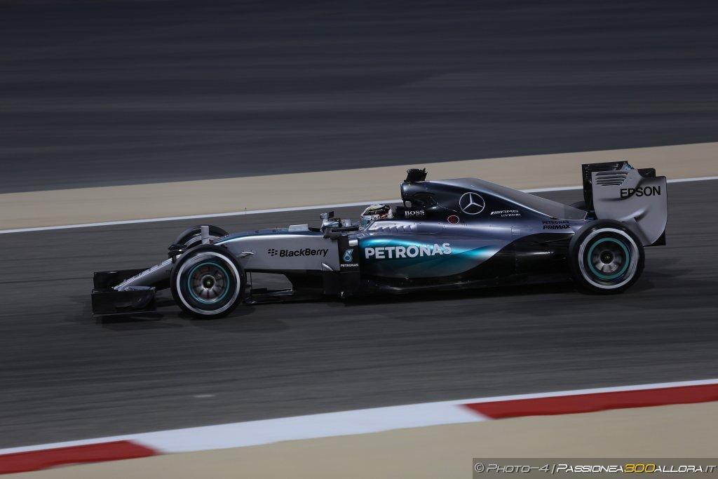 Mercedes in perdita di 77 milioni di sterline nel 2014