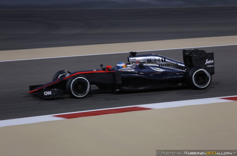 """McLaren Honda, Alonso: """"Grandioso essere in grado di lottare con altre monoposto"""""""