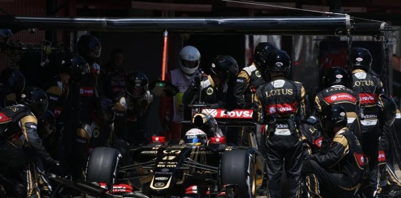 Un applauso ai meccanici Lotus