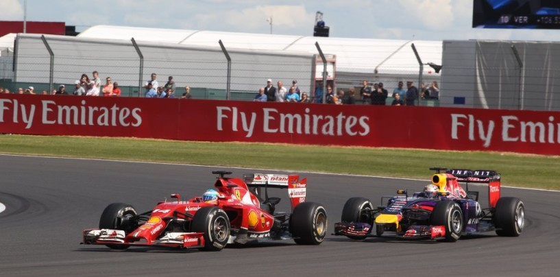 La sfida d'altri tempi tra Alonso e Vettel. Come l'ossigeno bloccati in ascensore.